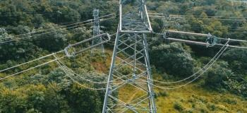 Inspeção em linhas de transmissão com drones